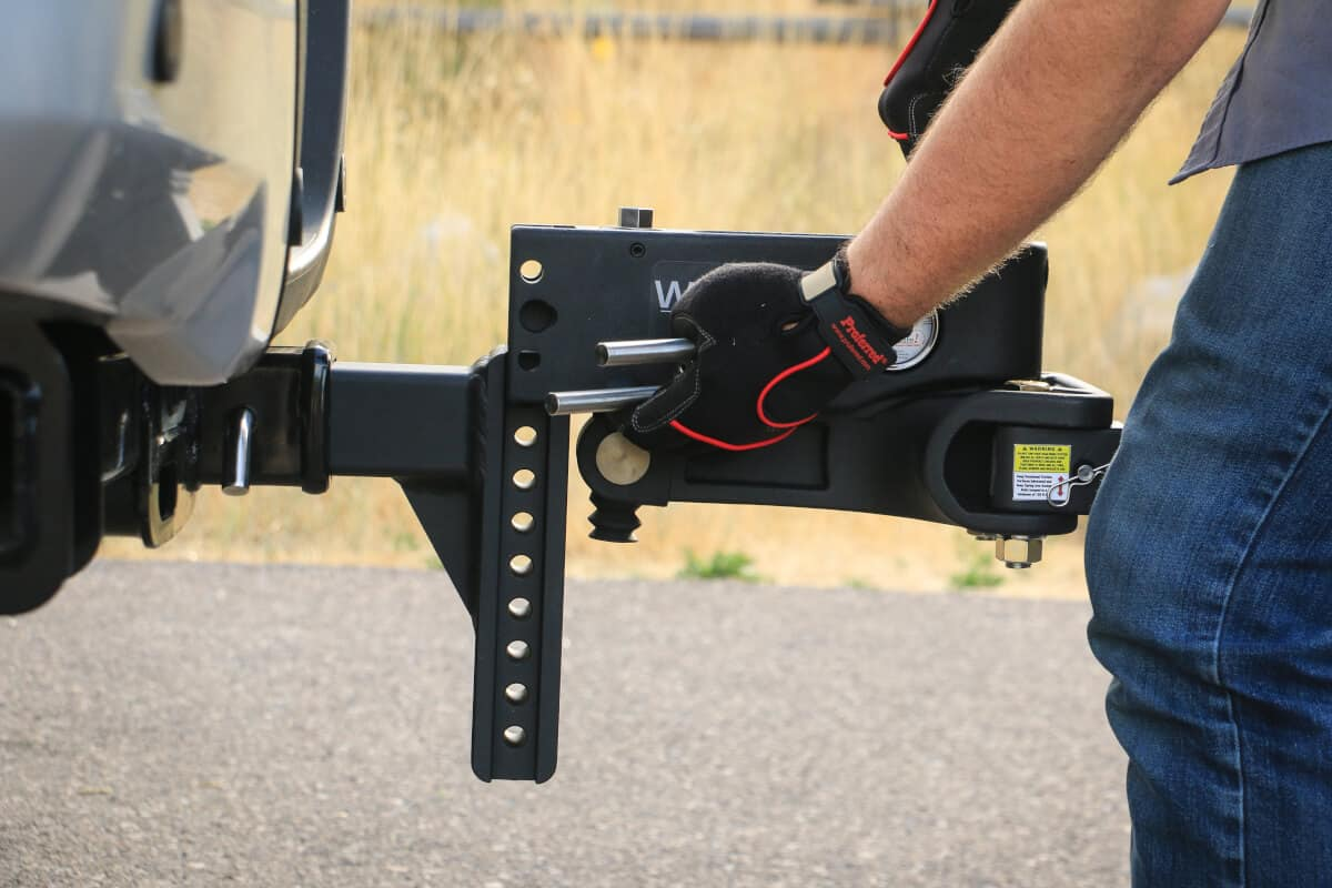 hitches with weight distribution