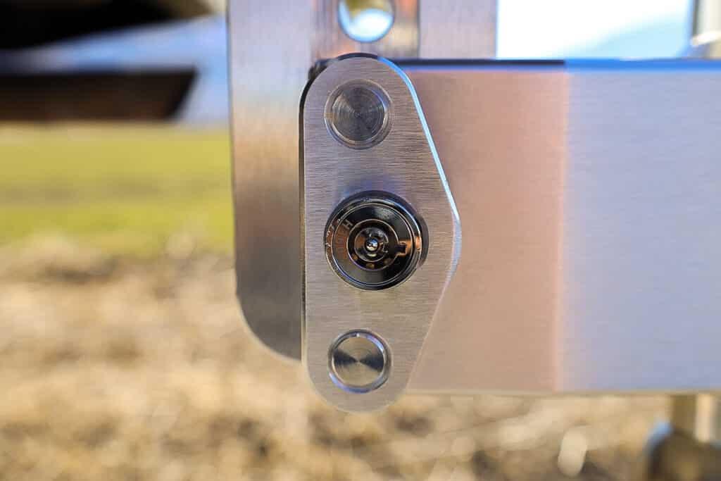 Weigh Safe dual pin key lock
